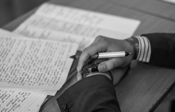 """Synthèse de la table ronde sur """"Négociation et médiation de dettes non judiciaire: un avenir possible?"""""""